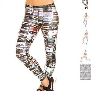 Zara Terez mixtape leggings size xs like new